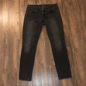 "Lucky Brand ""Charlie Skinny"" Jeans size 28"
